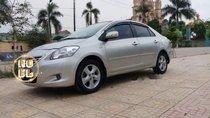 Cần bán Toyota Vios đời 2009, màu bạc