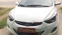 Cần bán xe Hyundai Elantra sản xuất 2013, màu trắng