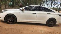 Cần bán gấp Hyundai Sonata năm sản xuất 2010, màu trắng, xe nhập
