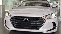 Cần bán xe Hyundai Elantra đời 2019, màu trắng, xe nhập, giá tốt