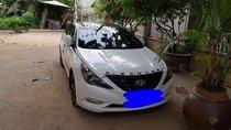 Bán Hyundai Sonata đời 2012, màu trắng, xe nhập xe gia đình