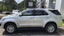 Bán Toyota Fortuner đời 2013, màu bạc xe gia đình
