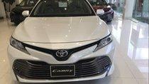 Bán xe Toyota Camry 2019, màu trắng, nhập khẩu