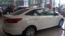 Bán xe Ford Focus Titanium 1.5L sản xuất 2019, màu trắng, giá chỉ 700 triệu