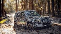 Land Rover Defender 2020 hoàn toàn mới sẽ ra mắt vào tháng 9, lên kệ đầu năm 2020