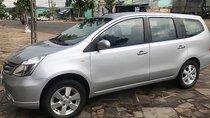 Cần bán lại xe cũ Nissan Grand livina 1.8 MT đời 2011, màu bạc, xe gia đình