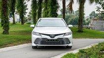 Giá lăn bánh xe Toyota Camry 2019 vẫn cao nhất phân khúc sedan hạng D