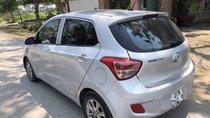 Cần bán gấp Hyundai Grand i10 2016, màu bạc, nhập khẩu nguyên chiếc