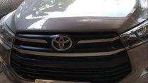 Bán Toyota Innova 2018 số sàn, giá 700tr