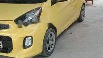 Gia đình bán xe Kia Morning năm 2017, màu vàng