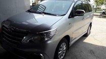 Cần bán gấp Toyota Innova đời 2013, màu bạc, xe nhập