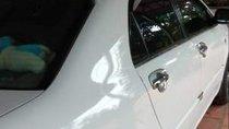 Gia đình bán Toyota Corolla altis năm 2002, màu trắng