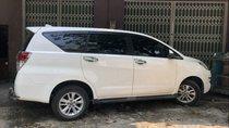 Cần bán xe Toyota Innova E đời 2018, màu trắng như mới, giá 730tr