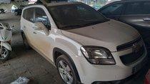 Bán đấu giá gấp Chevrolet Orlando đăng ký 2017, màu trắng còn mới, giá tốt 371triệu