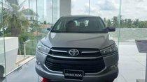 Cần bán Toyota Innova năm sản xuất 2019, màu xám, giá 726tr