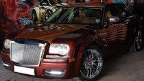 Thợ Việt biến Chrysler 300C Heritage Edition cũ thành Rolls-Royce Phantom sang chảnh