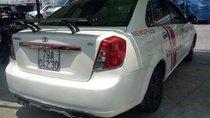 Cần bán xe Daewoo Lacetti sản xuất năm 2004, màu trắng xe gia đình, giá chỉ 165 triệu