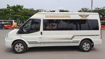 Bán Ford Transit Limousine, màu trắng, chạy chuẩn 59.000km