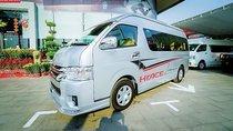 Bán ô tô Toyota Hiace Limousin đời 2018, màu bạc, nhập khẩu nguyên chiếc