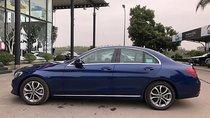 Cần bán Mercedes 200 đời 2017, màu xanh lam như mới
