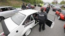 Tạm ngừng hành trình siêu xe để cảnh sát điều tra về hành vi đua xe trái phép