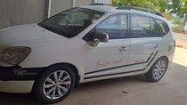 Bán chiếc xe Kia Carens đời 2011 màu trắng, số sàn, 7 chỗ ngồi rộng rãi thoải mái