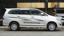 Cần bán xe Toyota Innova sản xuất 2014, màu bạc, giá 562 triệu