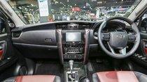 Toyota Fortuner 2.4 máy dầu, số sàn, giao ngay, hỗ trợ cho vay tới 85% lãi suất thấp, liên hệ 093 6200062