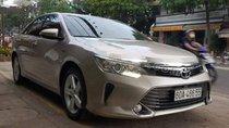 Cần bán gấp Toyota Camry 2.0E đời 2015, 835tr