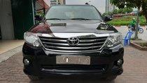 Cần bán Toyota Fortuner V đời 2014, màu đen