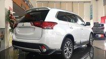 Bán Mitsubishi Outlander lắp ráp CKD với 100% linh kiện từ Nhật Bản, tiết kiệm nhiên liệu, xe có sẵn giao ngay