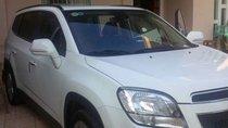 Bán Chevrolet màu trắng còn mới nguyên, chưa sửa chữa, luôn bảo trì bảo dưỡng