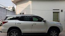 Bán Toyota Fortuner, số sàn 2017, máy dầu, màu trắng chỉnh chủ