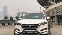 Cần bán Hyundai Tucson 2.0 ĐB sản xuất 2017, màu trắng