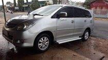 Cần bán gấp Toyota Innova G đời 2010, màu bạc