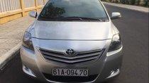 Bán ô tô Toyota Vios MT năm sản xuất 2013, màu bạc số sàn, sơn rin 90%