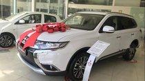 Bán Mitsubishi Outlander 2.0 CVT Premium 2019, màu trắng, mới 100%