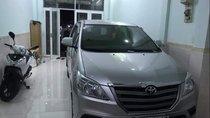 Cần bán lại xe Toyota Innova 2015, màu bạc, giá chỉ 548 triệu