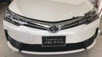Bán Toyota Corolla altis sản xuất năm 2019, màu trắng, giao xe ngay