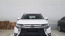 Cần bán Mitsubishi Outlander 2019, màu trắng, chất lượng toàn cầu với 100% linh kiện nhập khẩu từ Nhật Bản
