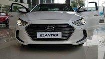 Cần bán Hyundai Elantra 2.0 AT 2019, màu trắng