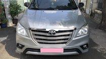 Cần bán xe Toyota Innova 2.0E số sàn 2016, màu bạc, BSTP chính chủ