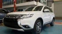 Cần bán xe Mitsubishi Outlander 2.0 STD đời 2019, màu trắng