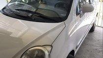 Gia đình bán Chevrolet Spark năm 2011, màu trắng, xe nhập