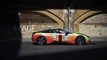 Đứng trước một kiệt tác nghệ thuật BMW i8 này, có ai không xiêu lòng?