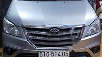 Bán Toyota Innova 2016, màu bạc, xe gia đình