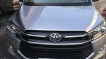 Bán ô tô Toyota Innova năm 2017, màu bạc chính chủ, giá 665tr