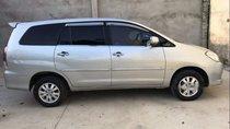 Cần bán gấp Toyota Innova G sản xuất 2011, màu bạc số sàn