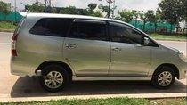 Chính chủ bán xe Toyota Innova 2.0E đời 2012, màu bạc số sàn