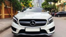 Bán Mercedes GLA45 AMG model 2017 màu trắng, nhập khẩu nguyên chiếc, cần số vuông